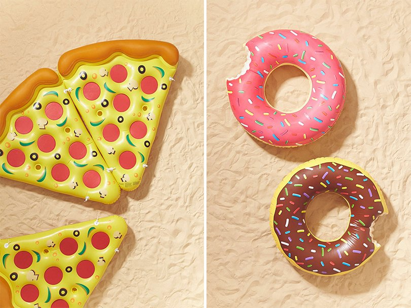 pizza slice pool floats - urbanoutfitters1